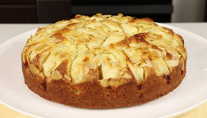 Яблочный пирог с арахисом