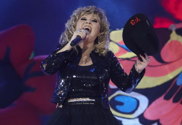 Валентина Легкоступова на сцене