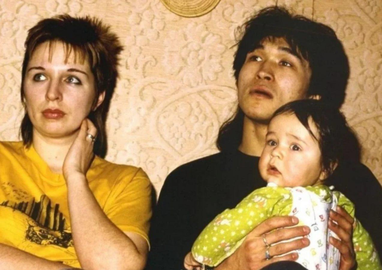 Виктор Цой с Марианной и сыном Сашей