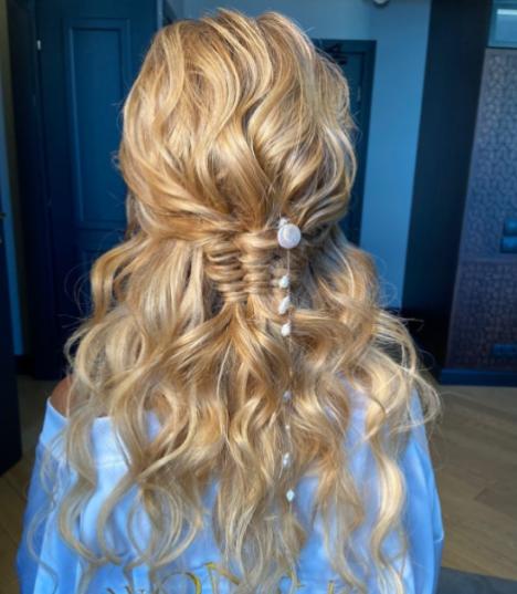 Весільна зачіска Даші Квіткова