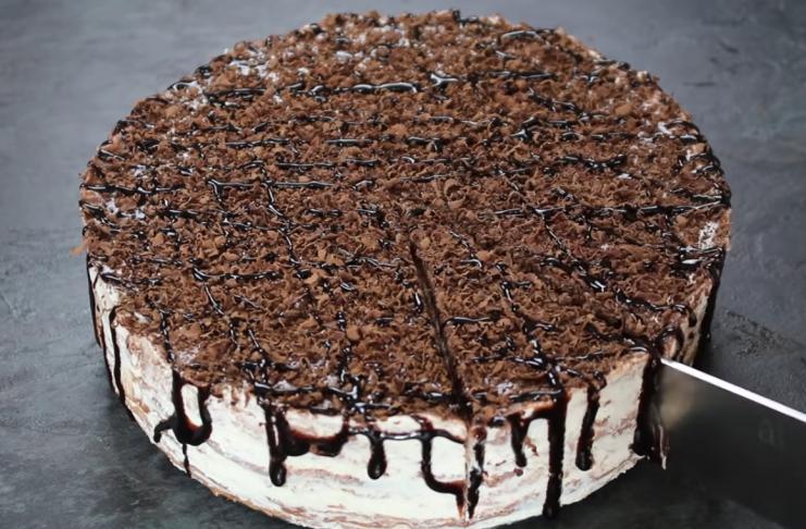 Шоколадный торт из блинов с простым творожным кремом