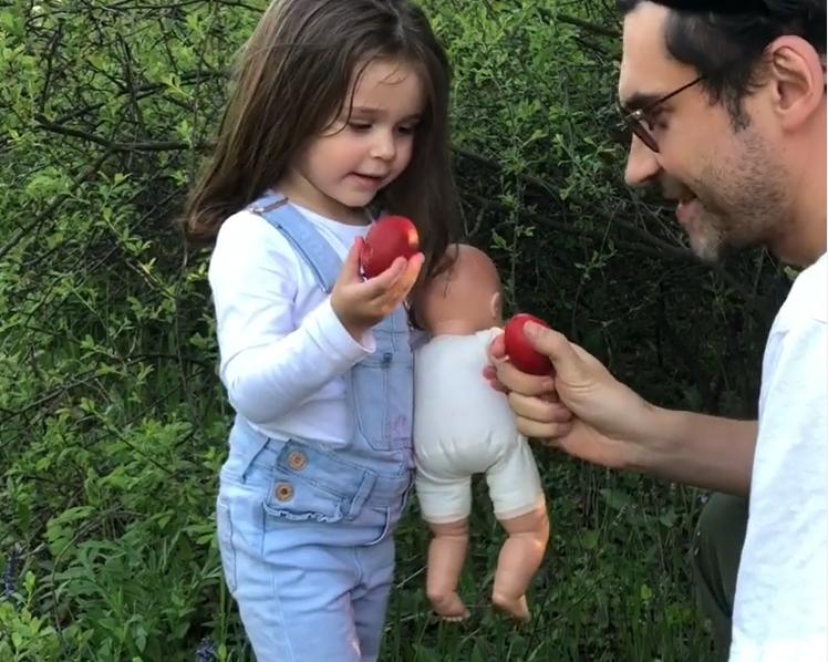 Дан Балан з племінницею Еліс (фото 2020 року)
