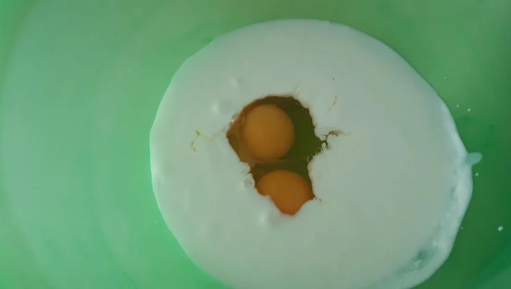 Кефір та яйця