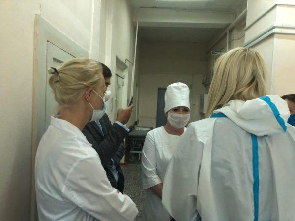 Твіттер Кіри Ярмиш, прес-секретаря Олексія Навального (В Омськ прилетіла особистий лікар Олексія Навального)