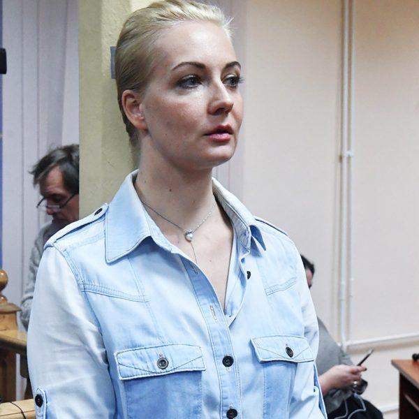 Жену Алексея Юлию не пустили в реанимацию к супругу