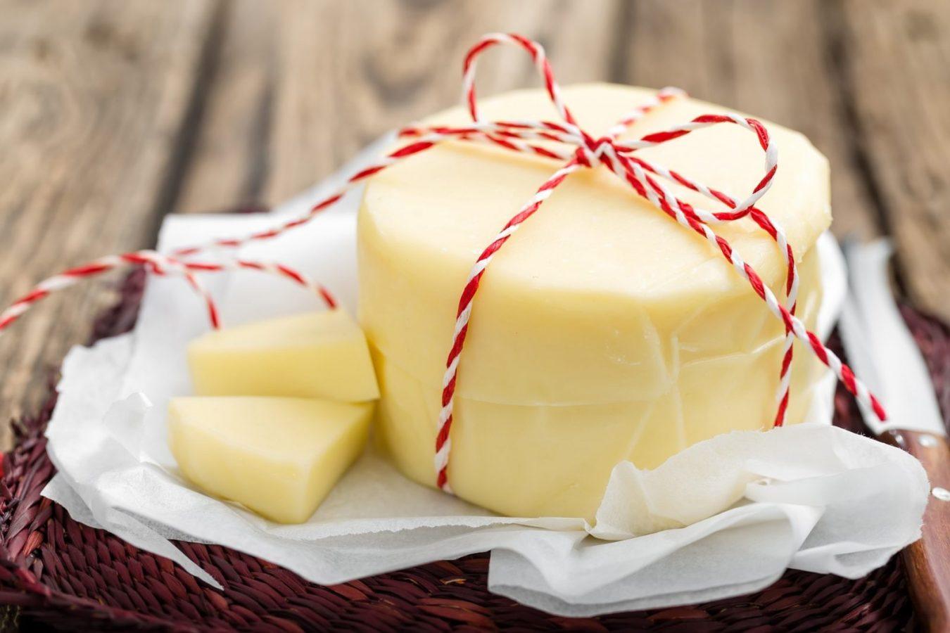 Сыр сулугуни не только вкусный, но и позитивно влияет на работу кишечника