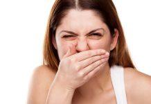 Як швидко позбавитися від запаху часнику з рота?