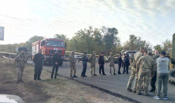 Рятувальники вранці після аварії