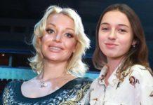 Анастасія Волочкова привітала дочку з 15-річчям
