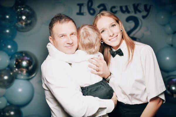 Юрий Горбунов и Катя Осадчая со своим сыном