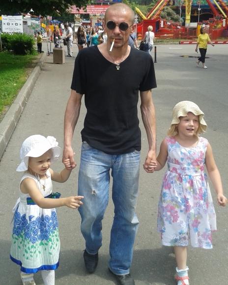 Олексій Шевченків з дочками