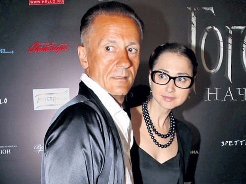 Олег Меньшиков з дружиною