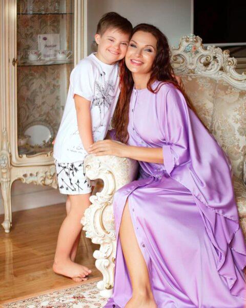 Эвелина с младшим сыном Семеном
