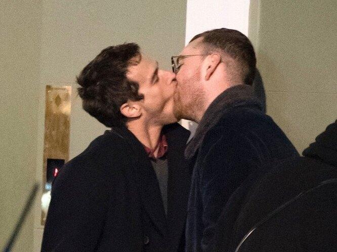 Поцелуй Сэма Смита и Брэндона Флинна