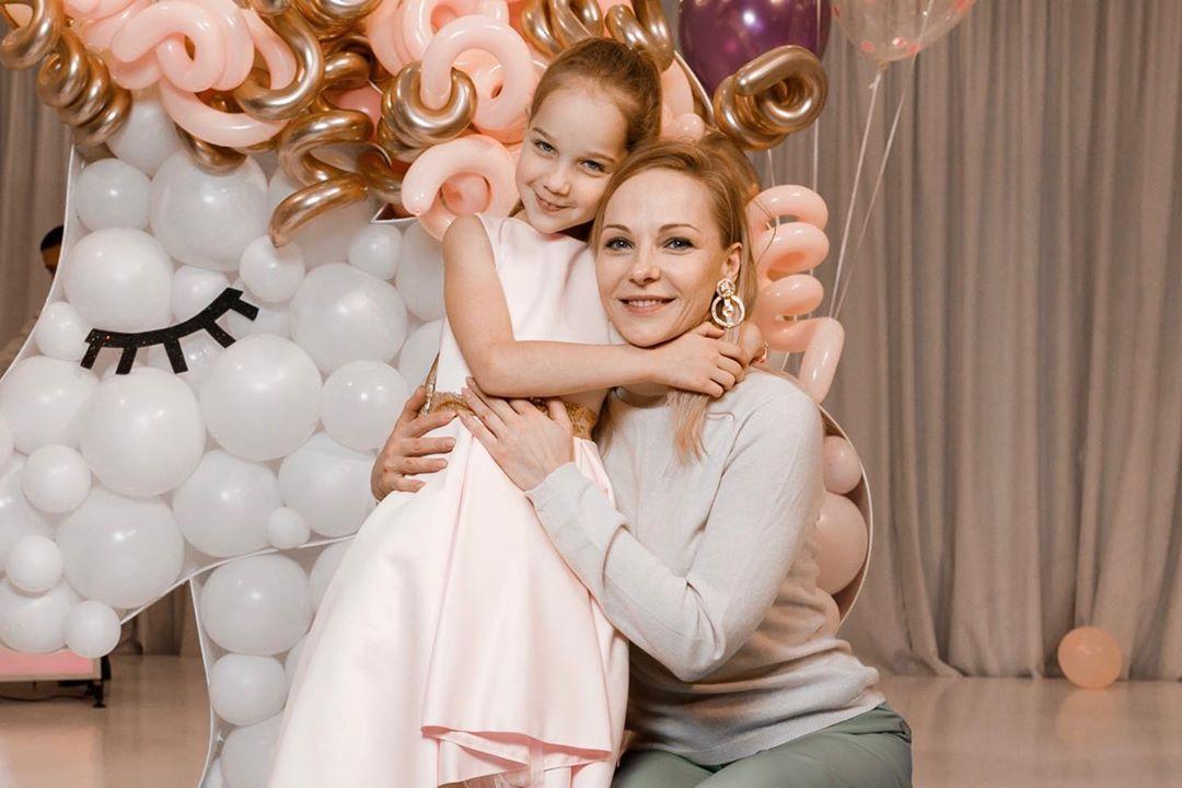 Даша Трегубова с дочкой