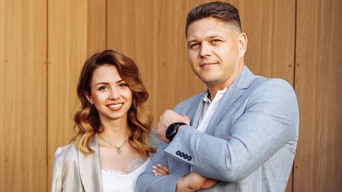Жена Соколюка прокомментировала его уход к