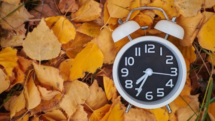 Переведення годинника восени 2020