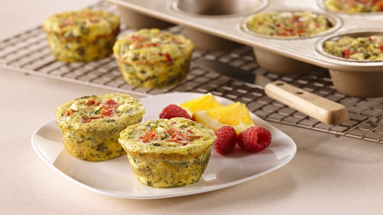 Омлет в духовке – идеальное блюдо, которое можно быстро приготовить на завтрак
