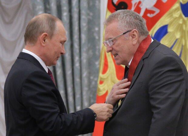 Жириновский нагнулся, чтобы Путин выглядел достойно