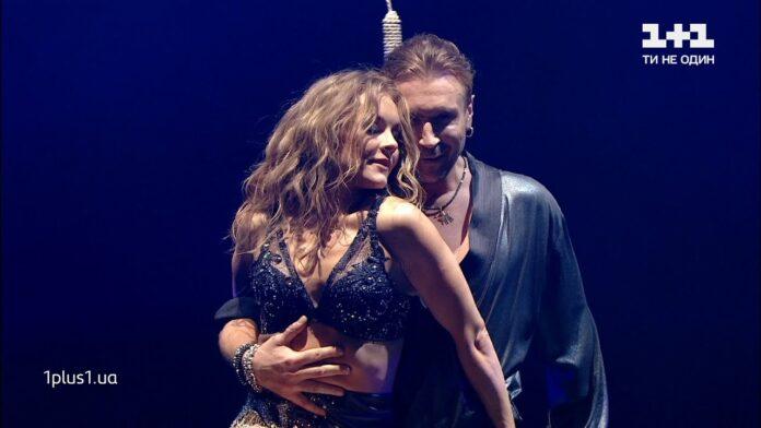 Олег Винник и Алена Шоптенко танцуют ча ча ча