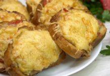 Котлети на хлібі під сиром