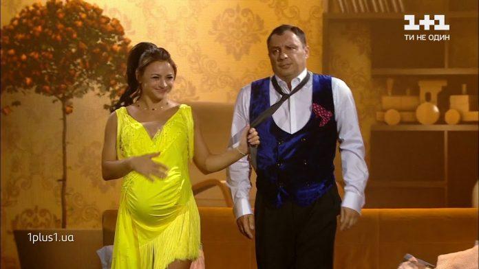 Илона Гвоздева вышла на паркет и станцевала ча-ча-ча с огромным пузом