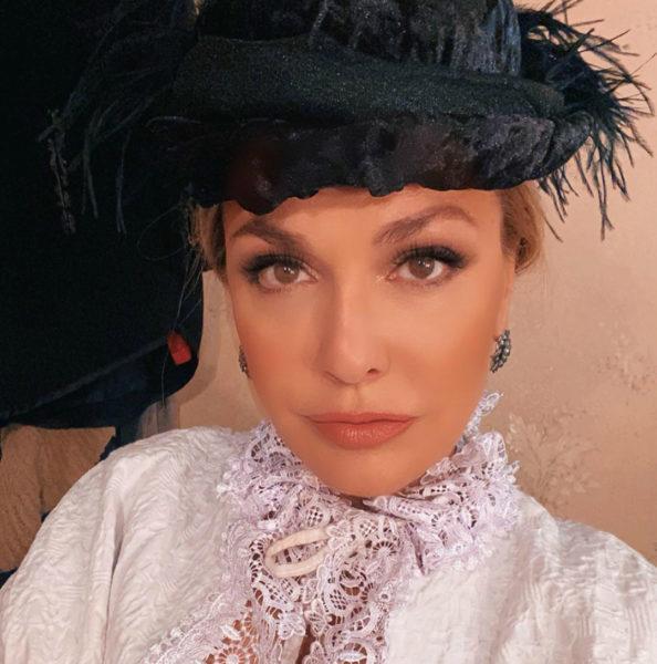 Ольга Сумская в сценическом образе