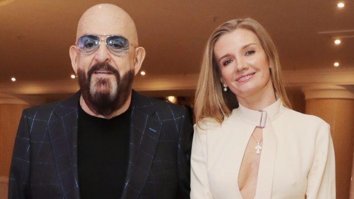 Михайло Шуфутинський з молодою дружиною Світланою Юразовой