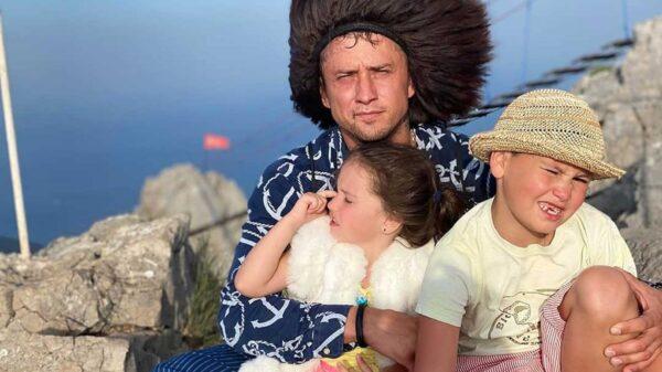 Прилучный, Карпович и дети на отдыхе