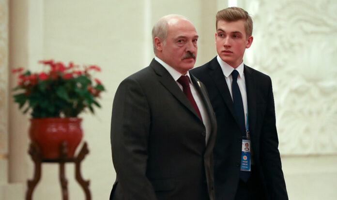 Олександр Лукашенко з молодшим сином Миколою