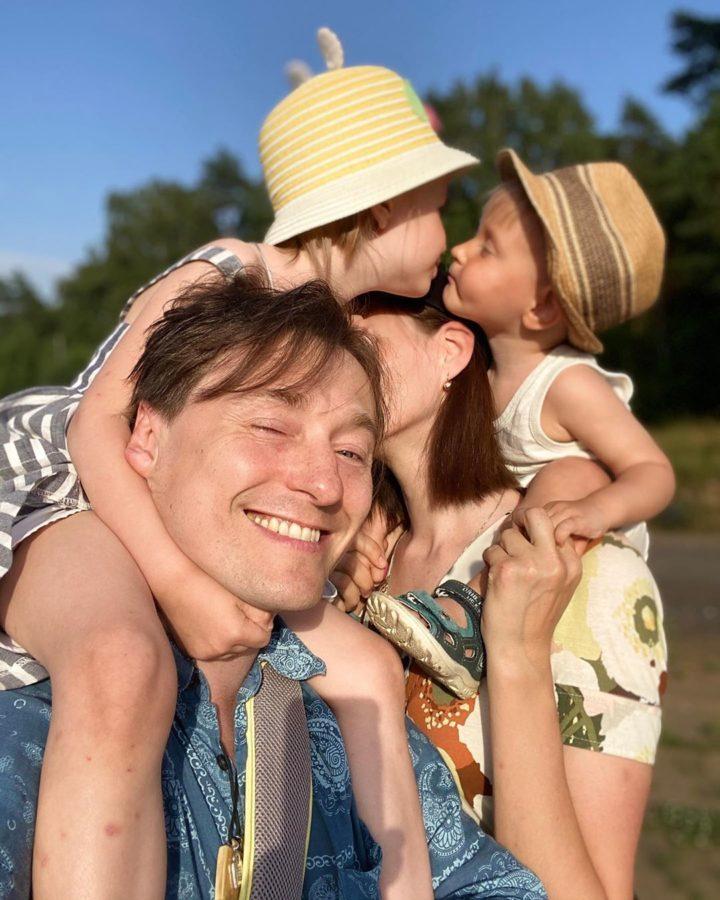 Сергій Безруков з дітьми