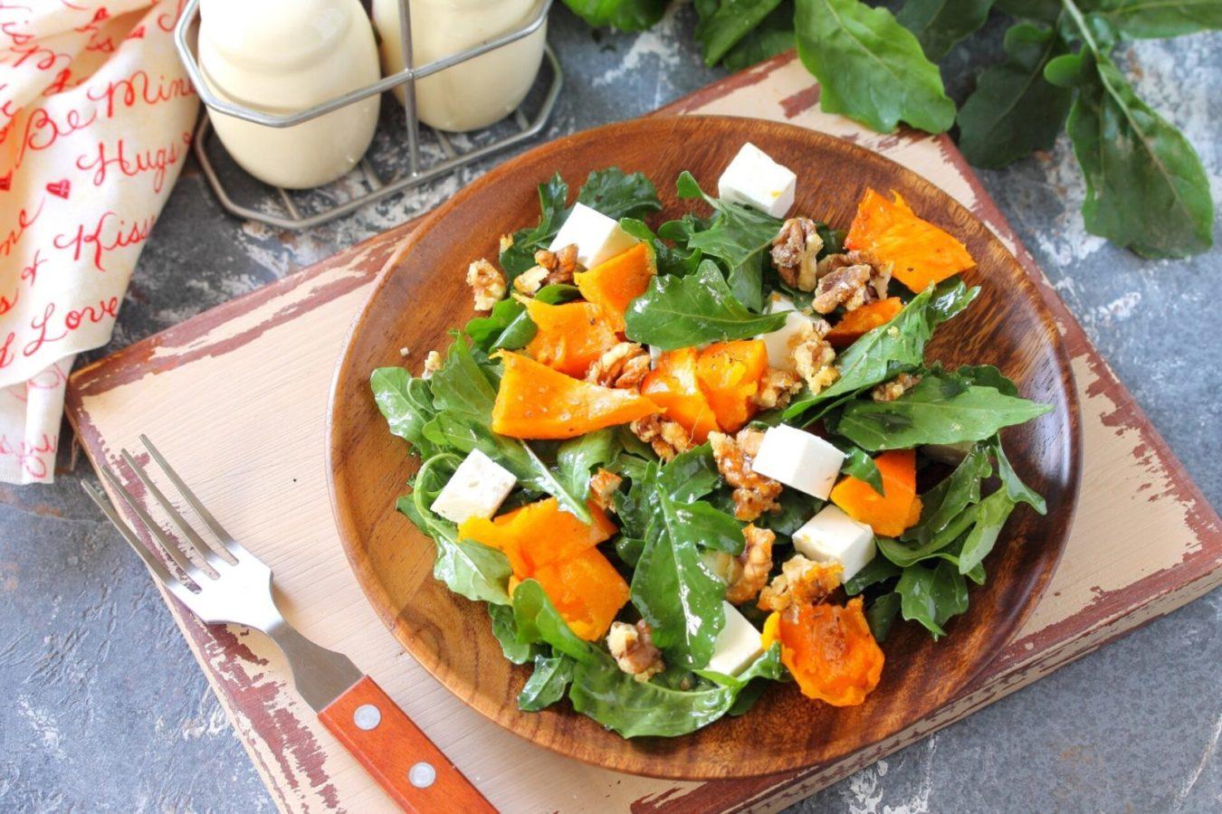 Салат из запеченный тыквы и феты