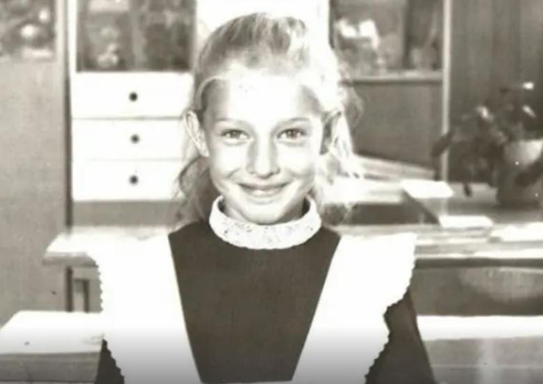 Катя Осадча в школі