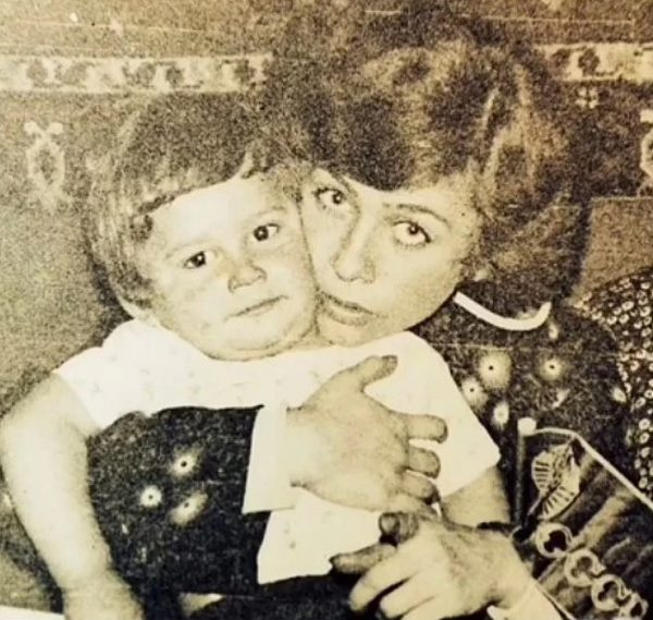 Дан Балан с мамой