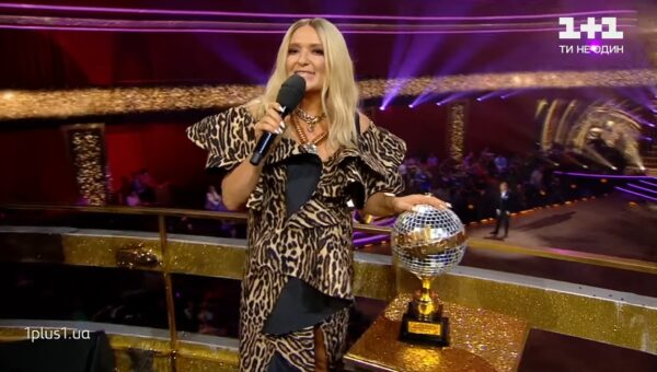 Наталья в качестве ведущей на «Танцах со звездами»