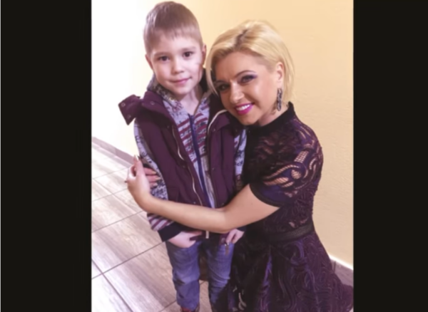 Таюне с сыном Винника Юлианом. Теперь мальчику 14 лет