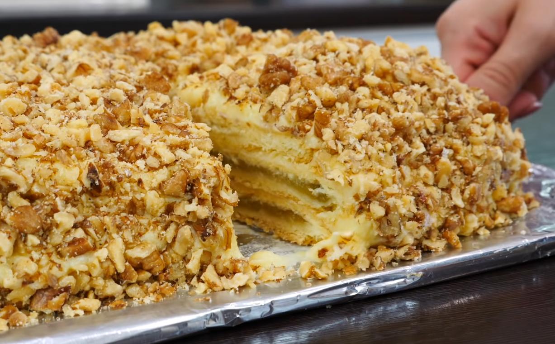 Пісочне тісто, яблучна начинка і ніжний заварний крем - ідеальне тріо