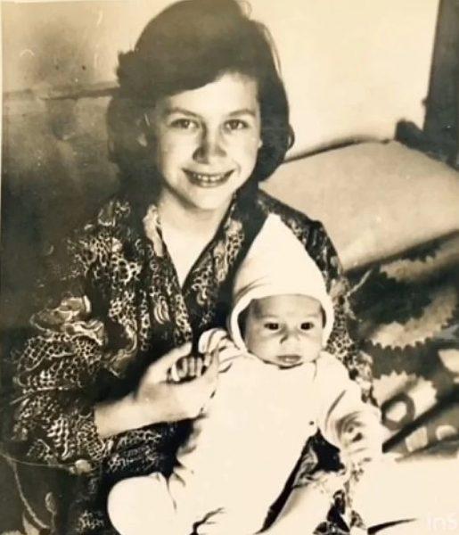 Маленький Дан с мамой