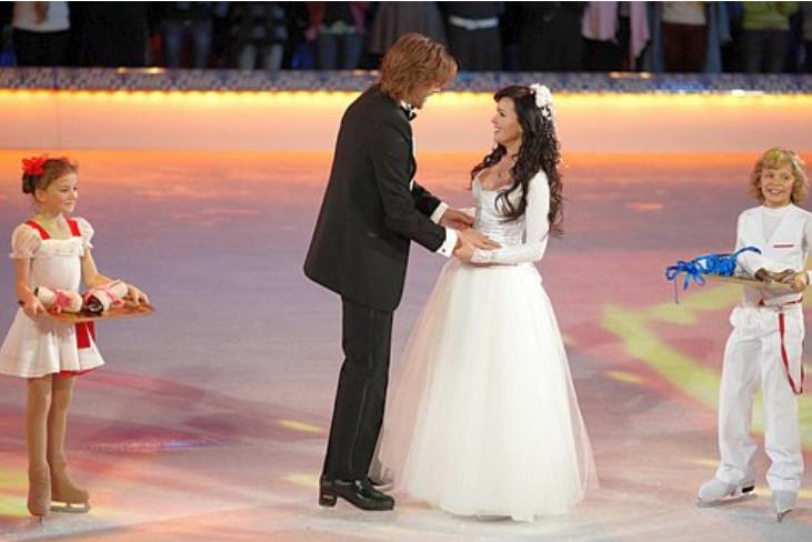 Свадьба Заворотнюк и Чернышова на льду