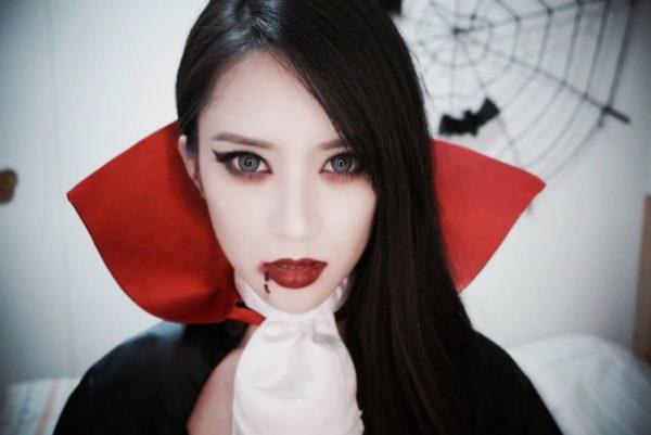 Костюм вампіра на Хеллоуїн