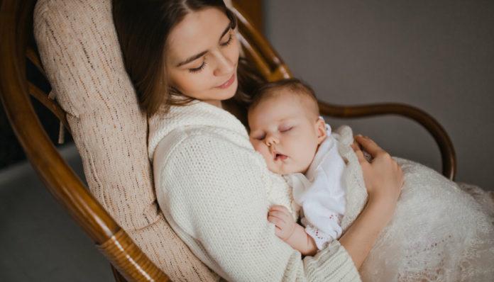 Колыбельная успокаивает малышей