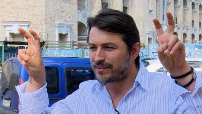 Сергей Притула выложил фотоподтверждение того, что он проголосовал за себя. Но не помогло