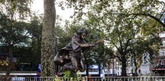 Памятник Гарри Поттеру в Лондоне