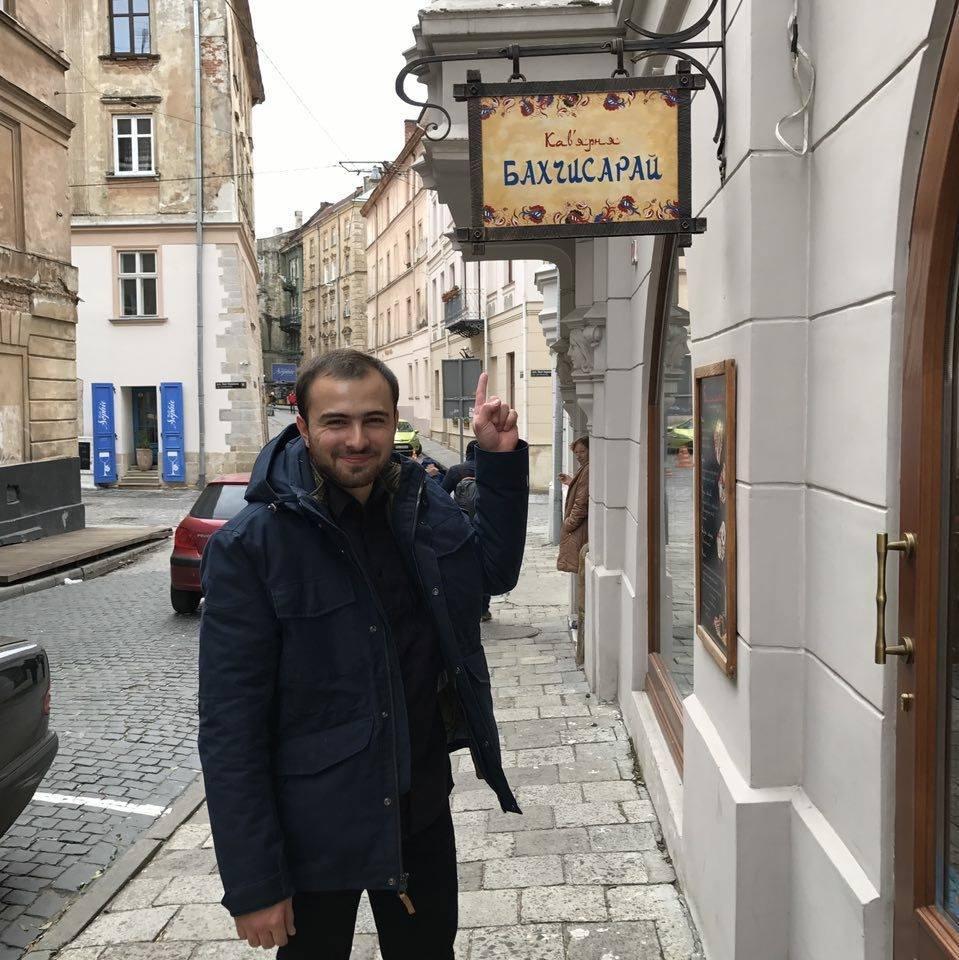 У Бекира есть собственное кафе в Киеве
