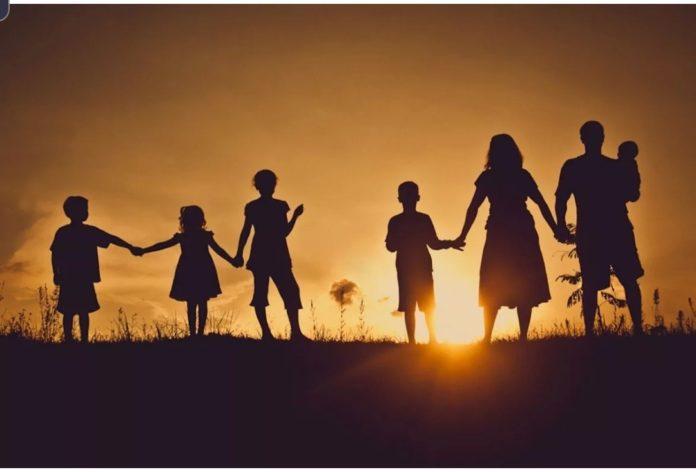 Як багатодітній мамі, яка залишилася без чоловіка, жити далі? Де взяти гроші і підтримку?