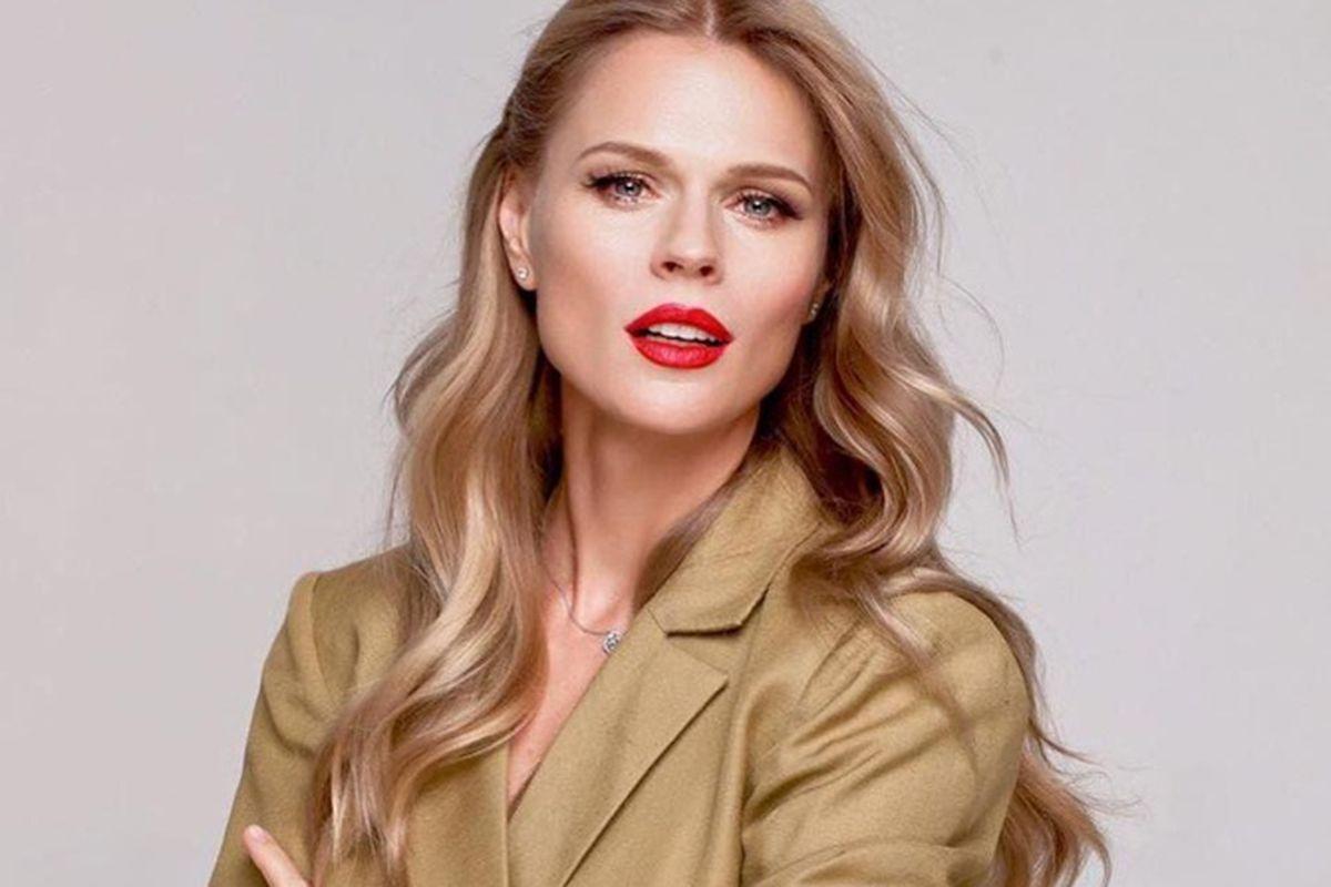 Ольга Фреймут поразила изменениями во внешности: обрезала волосы и сделала стильное каре