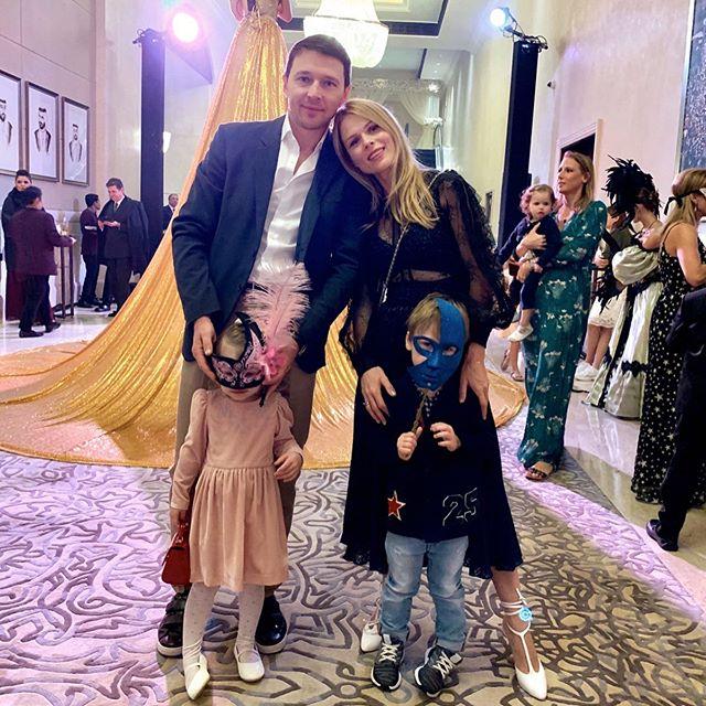 Ольга Фреймут с мужем и младшими детьми