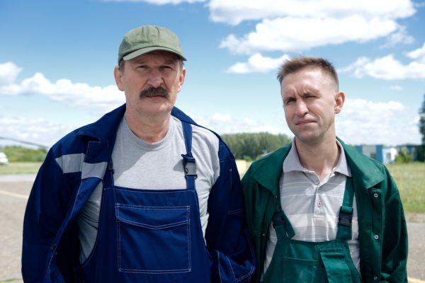 Иван Добронравов - справа