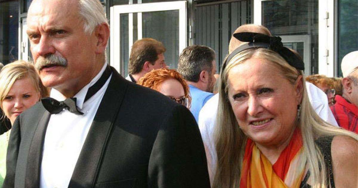 Микита Михалков з дружиною зараз