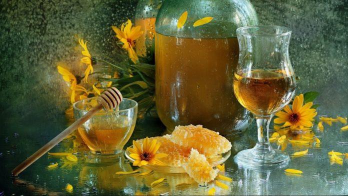 Настоянка з меду - кращий засіб для поліпшення імунітету